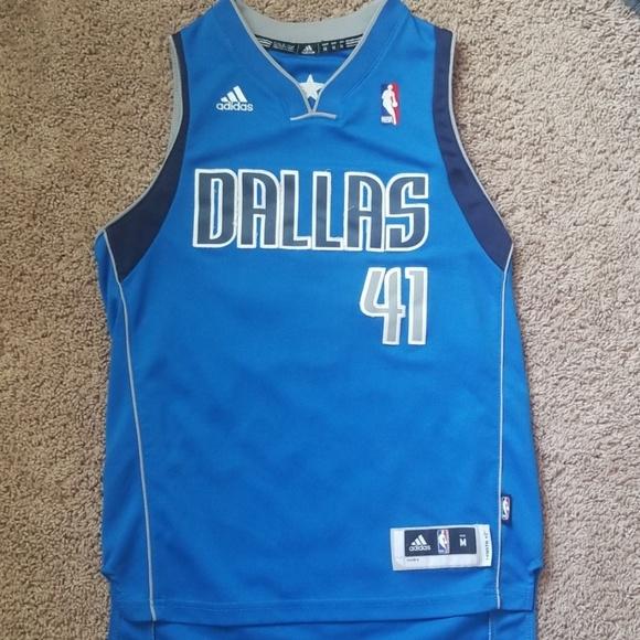 super popular 5bfa5 08822 Dallas Mavericks Dirk Nowitzki Jersey Youth Medium